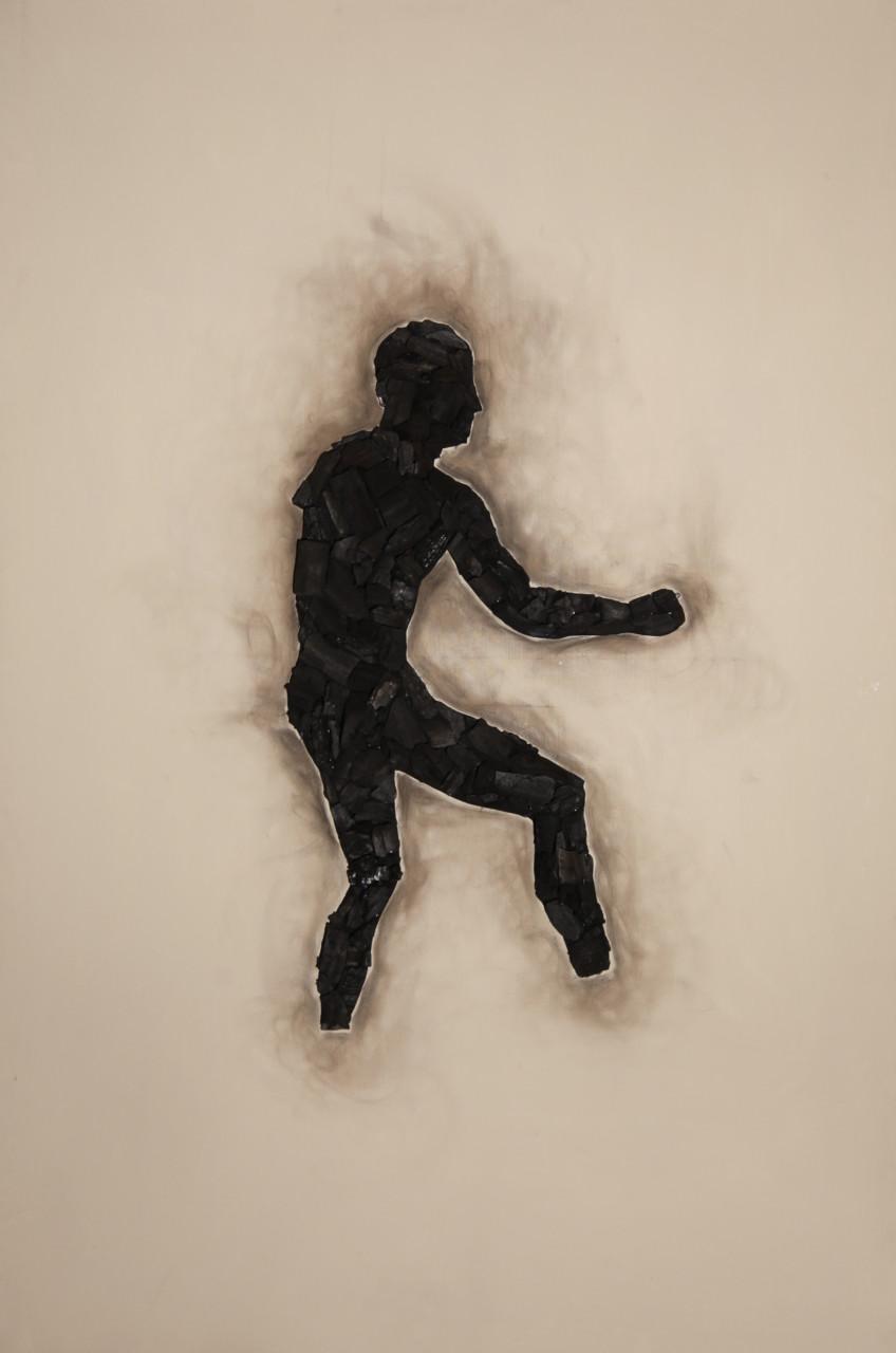 Teseo, 2014, cenere e carbone su tela, 150x100