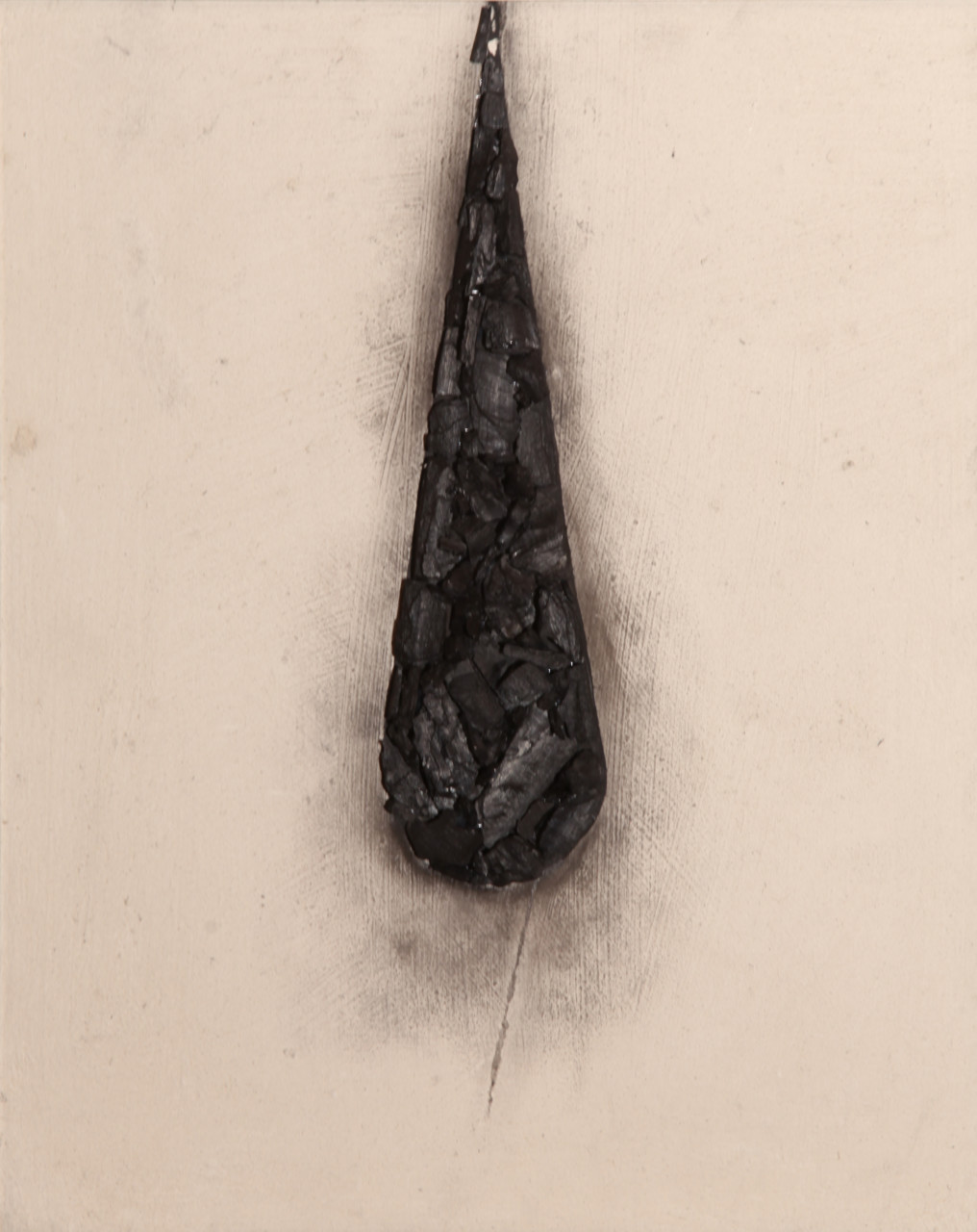 Drop, 2017, cenere e carbone su tela, 50x40
