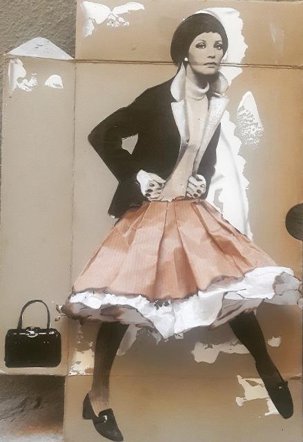 Me & my bag, 2017, scatola di carta 1900, collage rivista di moda 1960, colori acrilici, fuoco, carta da pacco, carta velina, cm 38x28
