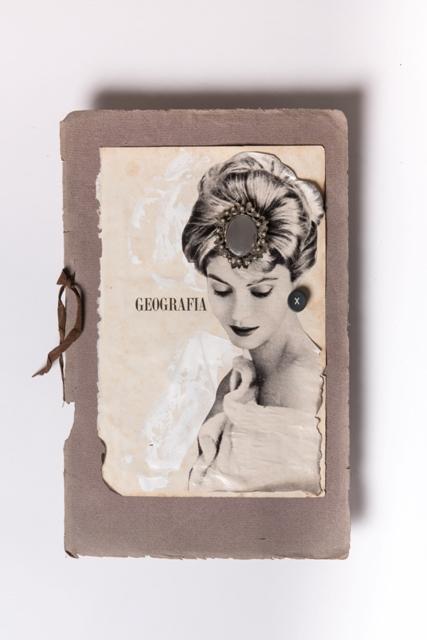 Geografia, 2018, Magazine 1960, copertina di catalogo museo tedesco fine 800, pagina di libro 1950,spilla, acrilico,tasto di macchina da scrivere, cm 44x32