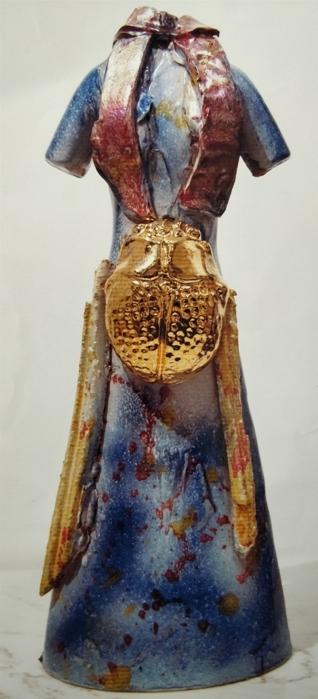 """""""Vestito"""" 2013, ceramica, h cm, 37,5"""